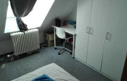 Möbliertes Zimmer in 4er WG in Holzgerlingen, Nähe Böblingen