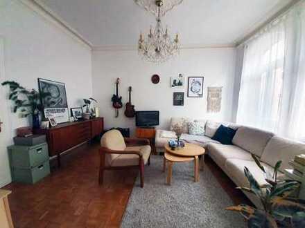 Zwischenmiete 02-05/2020: Zentral gelegene, geräumige Altbau-Wohnung mit Balkon im Kölner Süden