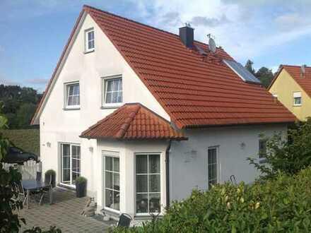 TOP gepflegtes Einfamilienhaus mit ca 230 m² samt Einliegerwohnung mit ca. 71 m² in Spalt
