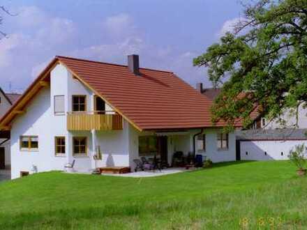Schönes Haus mit 10 - Zimmern in Esslingen (Kreis), Hochdorf