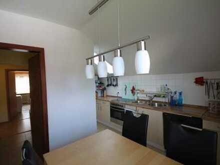 Schöne zwei Zimmer Dachgeschosswohnung nahe Wiesensee