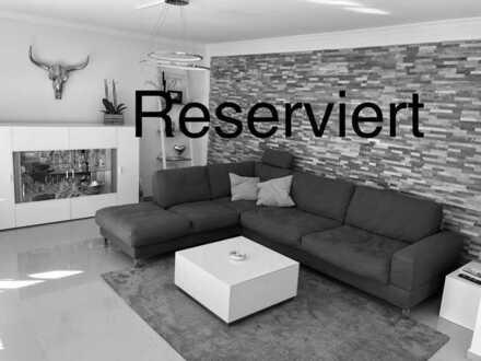Die perfekte Wohnung mit Fußbodenheizung, Kamin, begehbaren Kleiderschränken, Garten, Garage und...