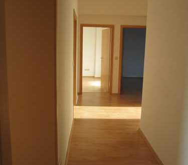 3Zi. Wohnung für Wohngemeinschaft zentral gelegen, geräumig, hell