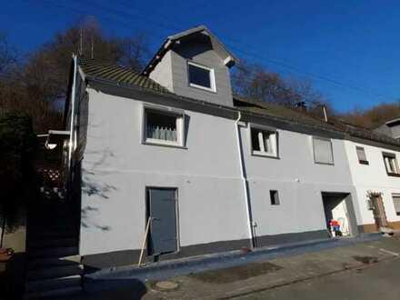 Renovierte Doppelhaushälfte sucht neuen Eigentümer