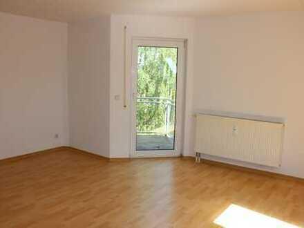 Provisionsfreie 2-Raumwohnung im Dachgeschoss mit Balkon sucht neue Mieter !!!