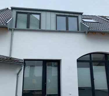 Erstbezug: Zentrum Bedburg - freistehende Wohnung