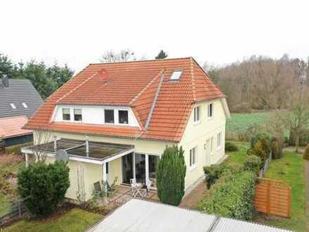 Wohnen wie im Urlaub -  Doppelhaushälfte in ruhiger Wohngegend nahe Schwerin