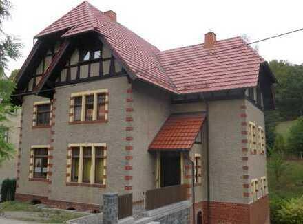 historisches Zwei- bis Dreifamilienhaus