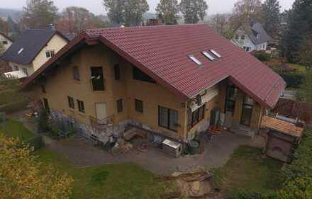 Großes 3 Familienhaus mit Wintergarten, Sauna, Kamin und Doppelgarage. WNfl.ca. 450 m²