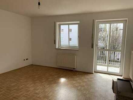 Großzügige 4-Zimmer-Wohnung mit Balkon in Freising-Lerchenfeld