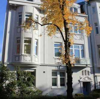 Geräumige 3 Zimmer Altbauwohnung mit EBK und Garten in Benrath