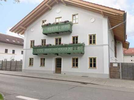 Traumhafte neu sanierte 2,5 Wohnung im EG mit Terrasse und Stellplatz zur Vermietung