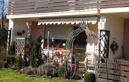 Exklusive, gepflegte 3-Zimmer-Erdgeschosswohnung mit Terrasse und Einbauküche in Aystetten