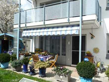 Große Wohnung mit sonnigen Garten