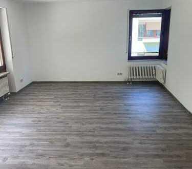 Helle sonnige 3-Zimmer EG-Wohnung mit Terrasse