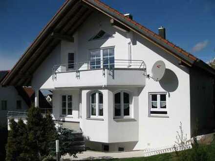 Helle 3,5-Zimmer EG-Wohnung mit Terrasse und Garten