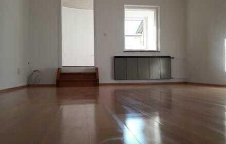 Attraktive, sanierte 5-Zimmer-Wohnung zur Miete in Groß-Gerau
