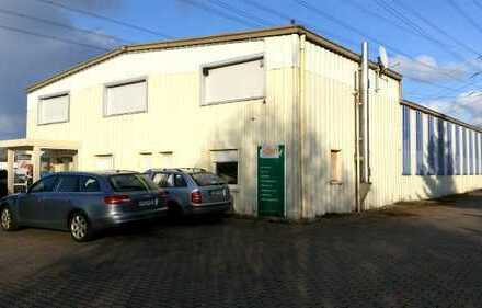 Bürogebäude 75 m² mit Halle von 450 m² und 10 Parkplätzen. Gesamt 700 m² zu vermieten
