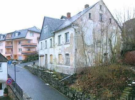 *** Einfamilienhaus im Dornröschenschlaf in Schlossnähe (Zwangsversteigerung) ***