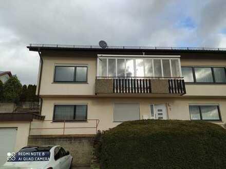 Gepflegte 5-Zimmer Wohnung mit Balkon und Einbauküche in Neudenau Südhang mit Aussicht