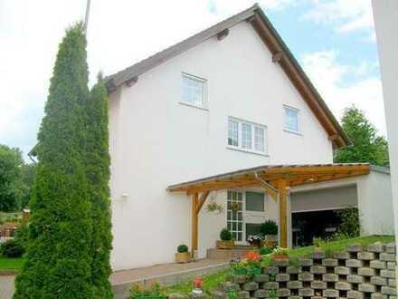 Gemütliche 3ZKB-Wohnung mit Einbauküche und Balkon in sehr ruhiger Lage in Ernstweiler