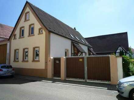 2-Familienhaus mit großer Scheune und schönem Garten
