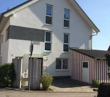 Familienfreundliches Haus mit sechs Zimmern in Böblingen (Kreis), Herrenberg