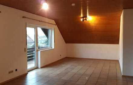 4-Zimmer-DG-Wohnung mit Balkon in Lingenfeld