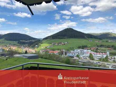 1-Zimmer-Wohnung mit Stellplatz und traumhaftem Ausblick in Baiersbronn