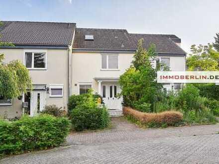 IMMOBERLIN: Toplage! Exquisites Reihenhaus mit Südwestgarten nah der Havel