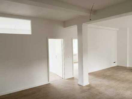 Erstbezug nach Sanierung: 4-Zimmer + großer Wohn-Essbereich