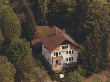 Wollen sie ein xbeliebiges Haus? Altes Forsthaus mit acht Zimmern in Regen (Kreis), Lindberg