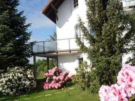 Ein Traum von Mehrfamilienhaus direkt am Weinberg!