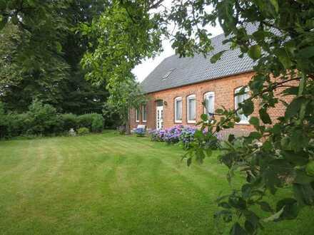 Bauernhaus mit Charme, großem Garten und imposanter Scheune sucht neue Familie