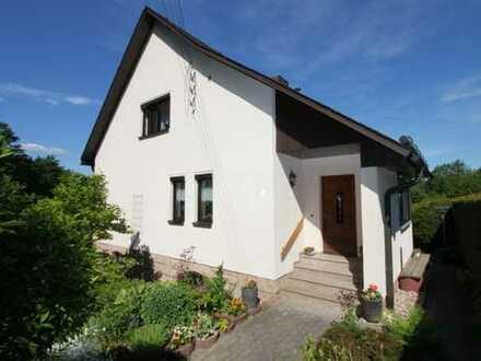Schönes, geräumiges und gepflegtes 4-Zimmer Haus in exponierter Lage im Erzgebirgskreis, Lößnitz