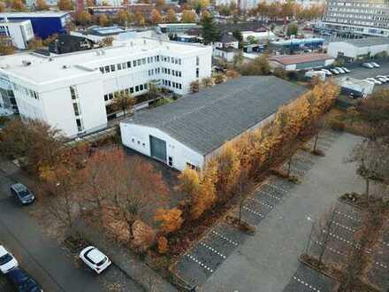 Von Privat Industrie, Produktion- und Lagerhalle mit Büro, Freiflächen und Stellplätzen
