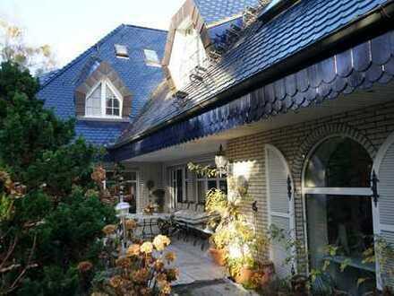 Zweifamilienhaus für niveauvolles Wohnen, Generationswohnen o. Wohnen-Gewerbe unter einem Dach