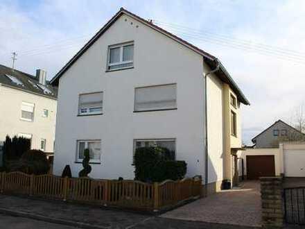 1-2 Familienhaus in ruhiger Anliegerwohnlage mit Garten und Balkonen in Südausrichtung