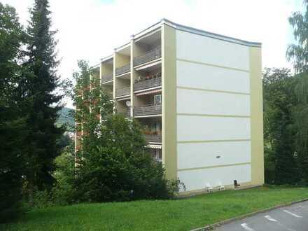 2-Zimmer-Wohnung mit 2 Balkonen, Höhenlage am Waldrand. Provisionsfrei.