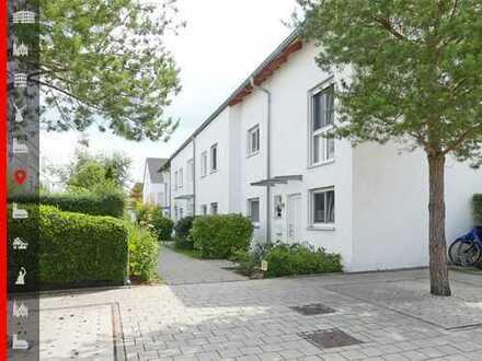 Neuwertige, optimal geschnittene 4-Zimmer-Wohnung mit ausgebautem Hobbyraum und sonnigem Südgarten