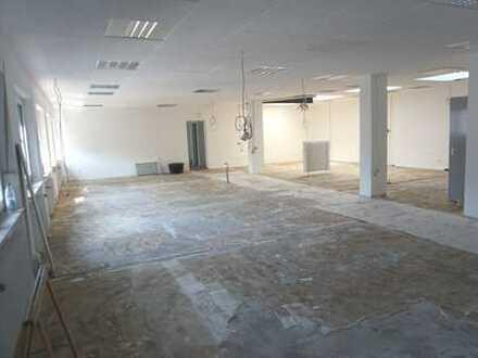 Außergewöhnliche Wohn/Büroetage in zentraler Lage von Dreieich/Sprendlingen.