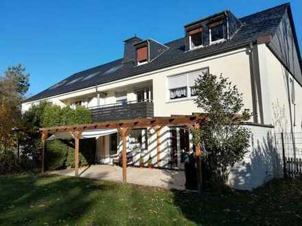 Vollständig renovierte 4-Zimmer-DG-Wohnung mit Einbauküche in Dortmund