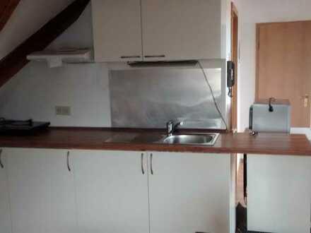 Gepflegte 1-Zimmer-DG-Wohnung in Appenhofen