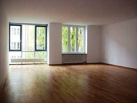 living smart - NEU! - Moderne 2-Zimmer-Wohnung mit neuer Einbauküche im Glockenbachviertel