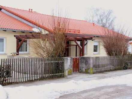Toprenovierte, absolut helle und ruhige Wohnung in Schöngeising mit großer Wohnküche