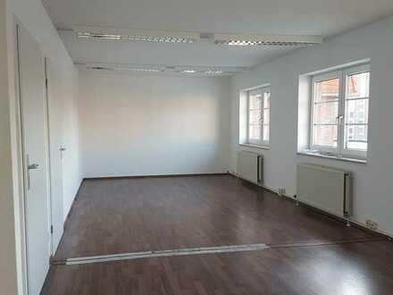 NEU! Großzügige Gewerbefläche für Büro oder Praxis in Oranienburg zu vermieten!