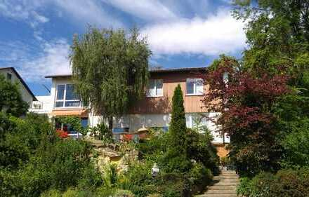 Große Wohnung in 2-Familienhaus, Südhanglage, tolle Aussicht, für Einzelperson oder Ehepaar