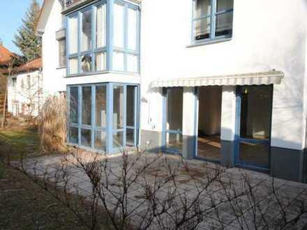 Helle Terrassenwohnung mit Garten und Stellplatz ... (61201)