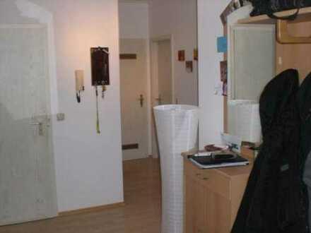 18_EI5669 Ruhige, renovierte 3-Zimmer-Eigentumswohnung / Maxhütte-Haidhof