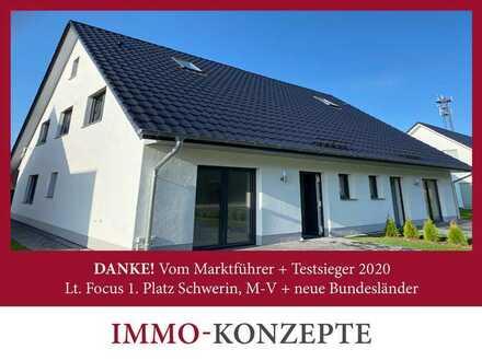 Neubau-Haushälfte (150m² W+NFl) wartet auf Sie!